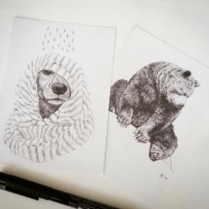 Set van twee postkaarten gedrukt op gerecycled papier - € 3,- per set.
